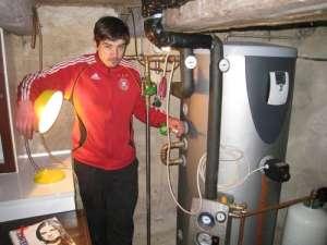 arbeiter lampen aufhängen